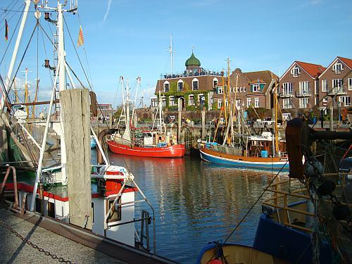 Hafen Neuharlingersiel 2